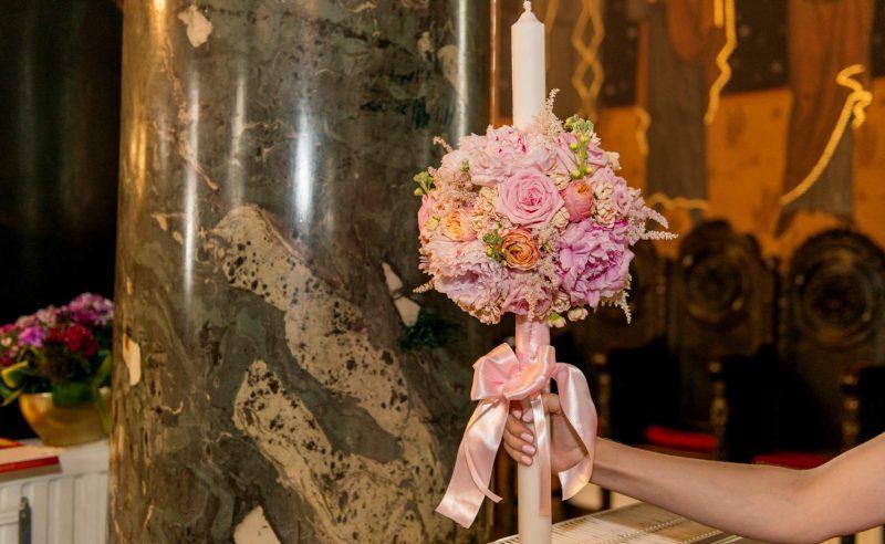 lumanare botez trandafiri bujori roz vuvuzela mathiola somon
