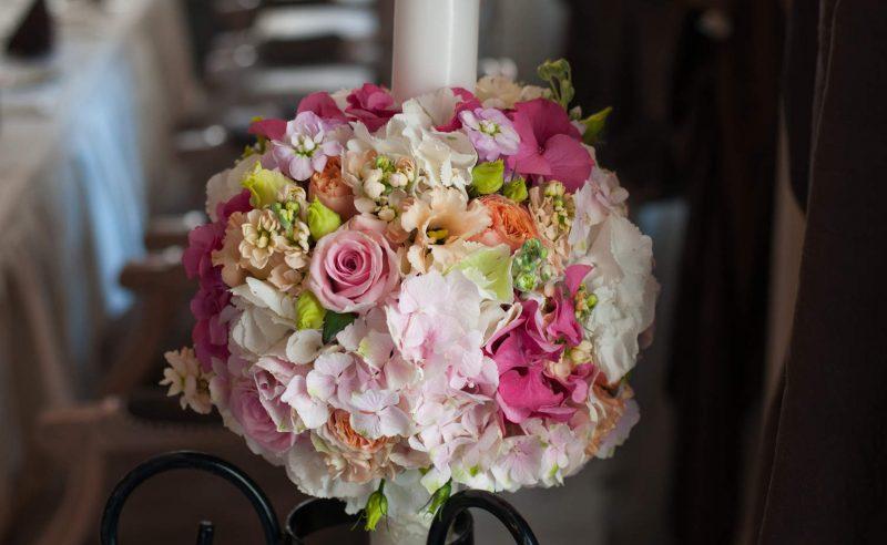 lumanari hortensii roz fucsia trandafiri roz vuvuzela lisanthus somon mathiola mov somon