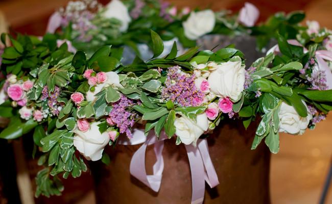 Decor cristelnita de botez trandafiri miniroze gypsophila