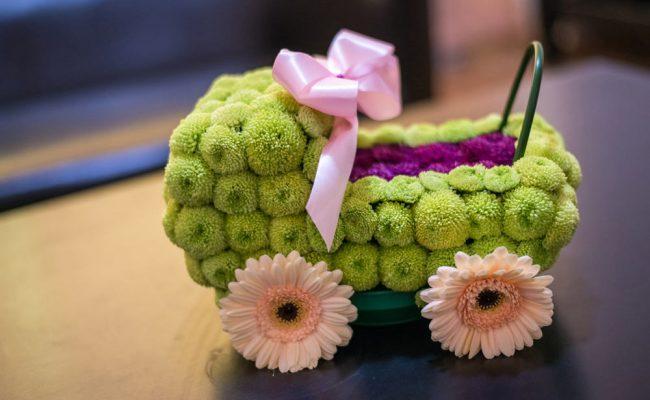 aranjament-floral-botez-carucior