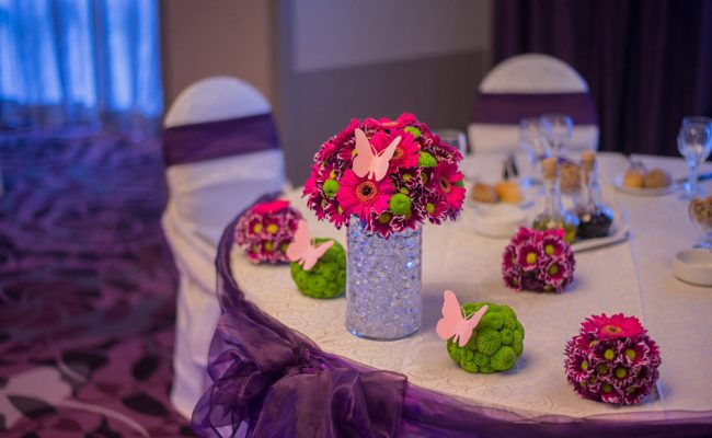 aranjament-floral-botez-gerbera-crizanteme-roz