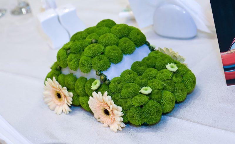 aranjament-floral-botez-masinuta-verde