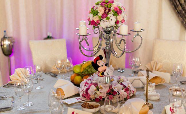 aranjament-floral-botez-sfesnic-Minnie