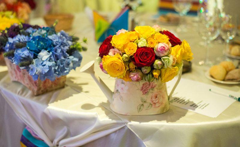 aranjament-miniroze-trandafiri-colorati
