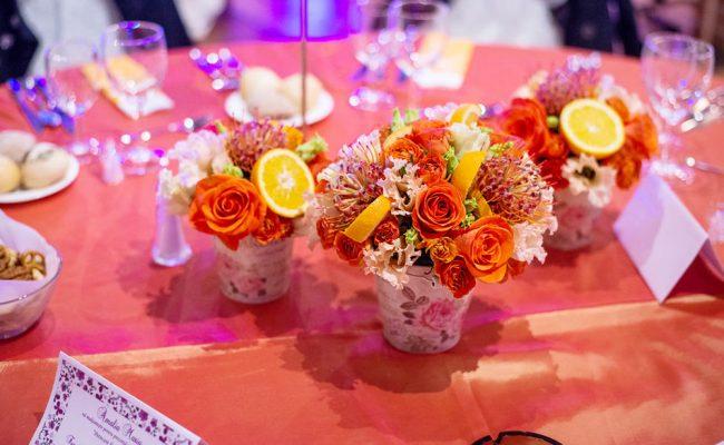 aranjament-portocaliu-trandafiri-lisianthus-miniroze-flori-exotice