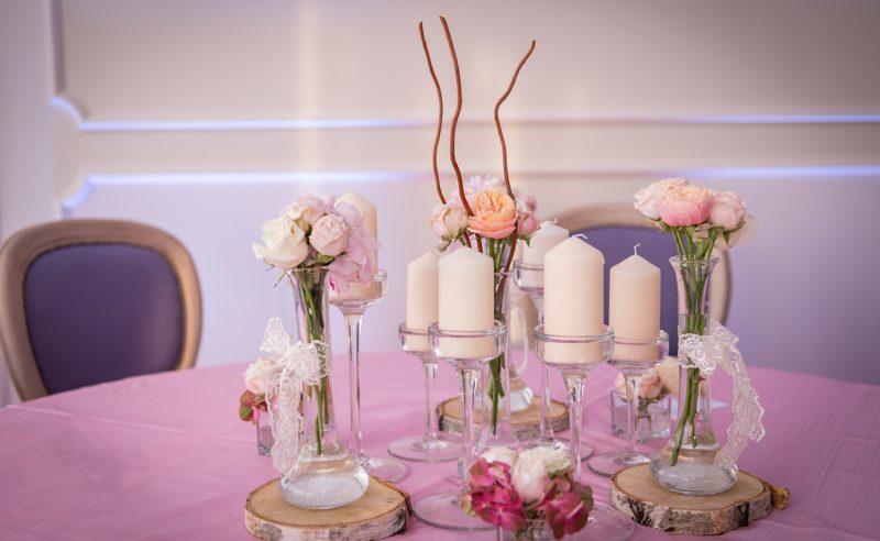 aranjament trandafiri vuvuzela miniroze albi roz