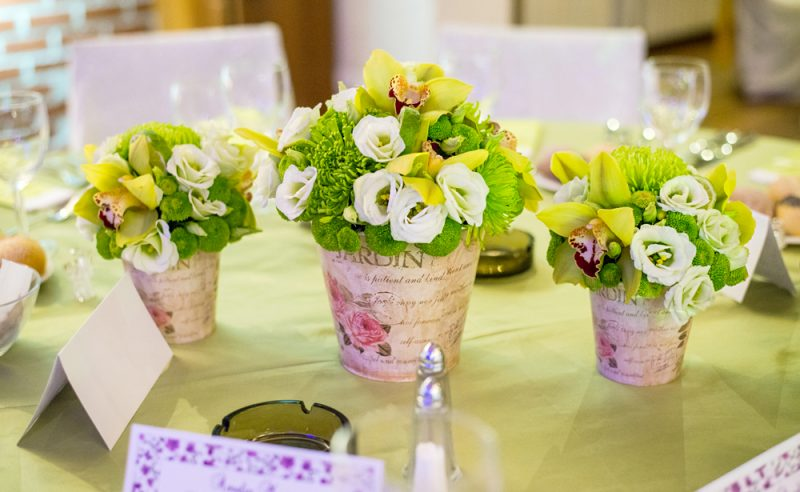 aranjament-verde-orhidee-crizanteme-lisianthus-lime